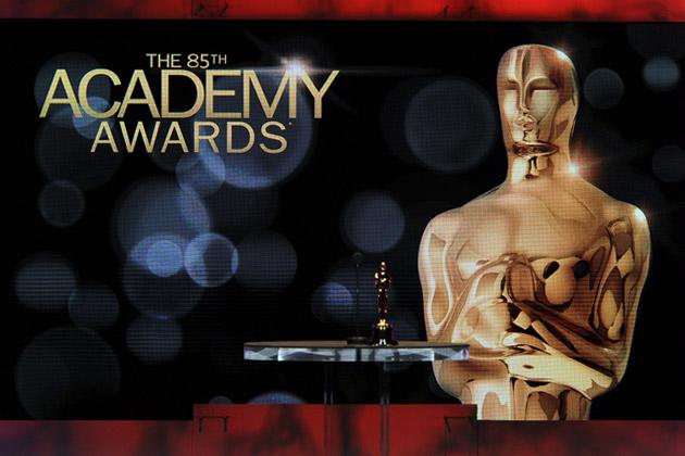 the 2013 oscar academy awards statue