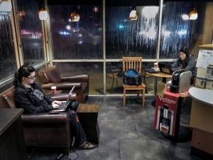 Starbucks introducing wireless charging