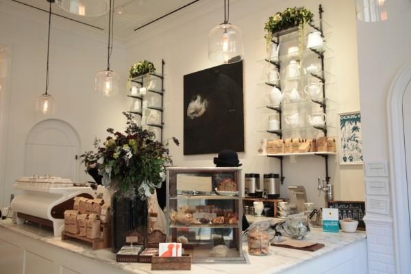 toby's estate opens flatiron bar