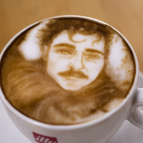 joaquin_phoenix_latte
