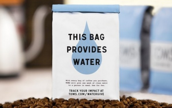 Toms coffee bag back clean water