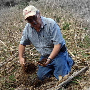 Digging Deep Into Soil Management with Luis Álvarez Welchez