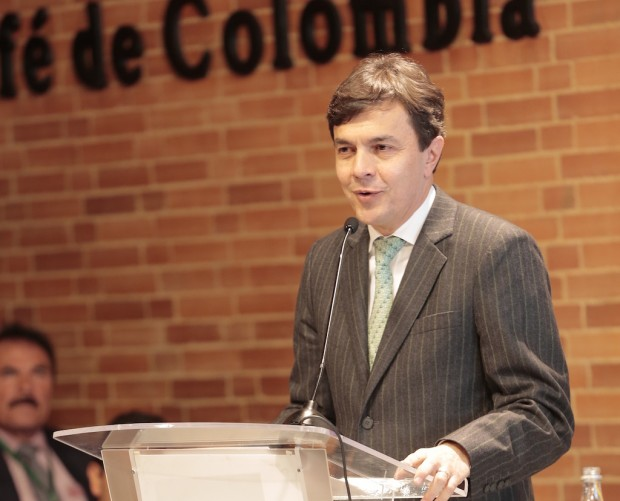 Q&A with New Colombian Coffee Growers Federation CEO Roberto Vélez Vallejo