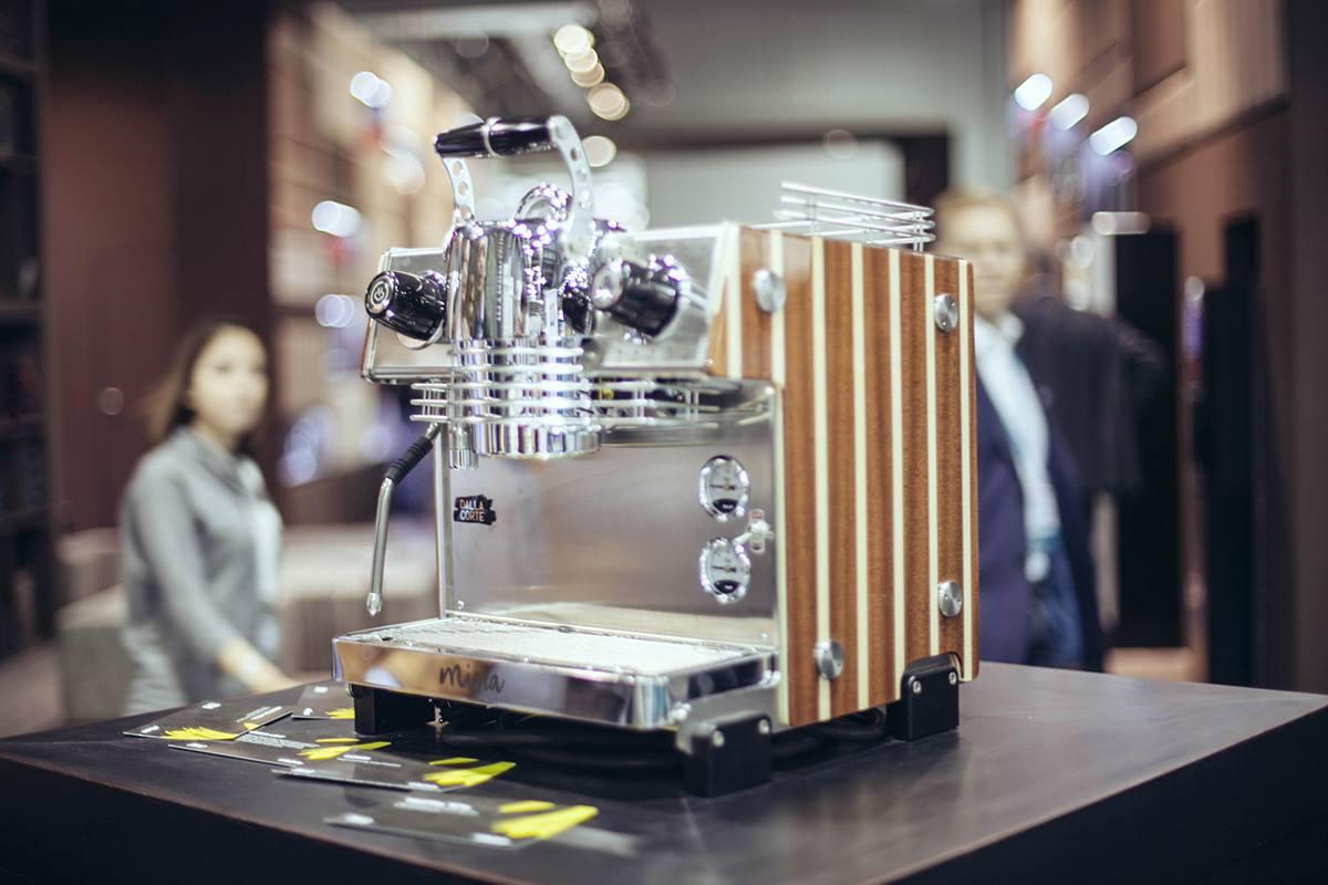 Dalla Corte Readies New Digital Lever Prosumer Machine Mina