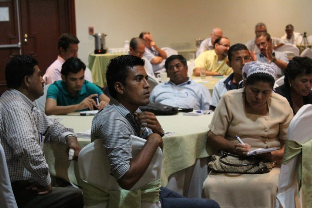 A worskshop with Salvadoran coffee producers. Photo by NCBA CLUSA
