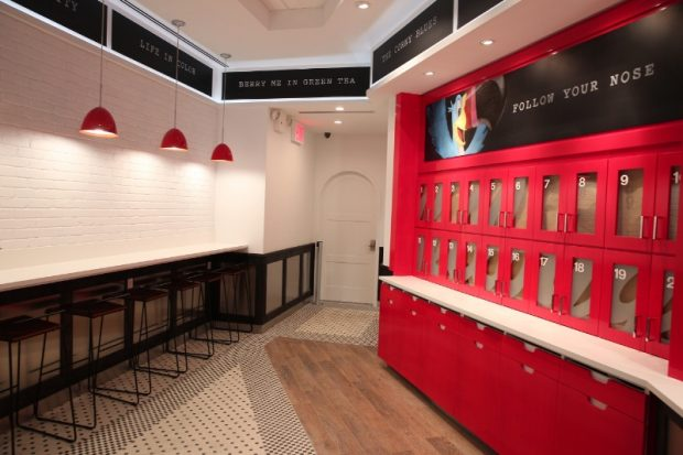 KELLOGG'S(R) OPENS FIRST-EVER PERMANENT CAFE IN CROSSROADS OF THE WORLD - TIMES SQUARE AT 1600 BROADWAY. OPENS JULY 4TH. @KELLOGGSNYC (PRNewsFoto/Kellogg Company)