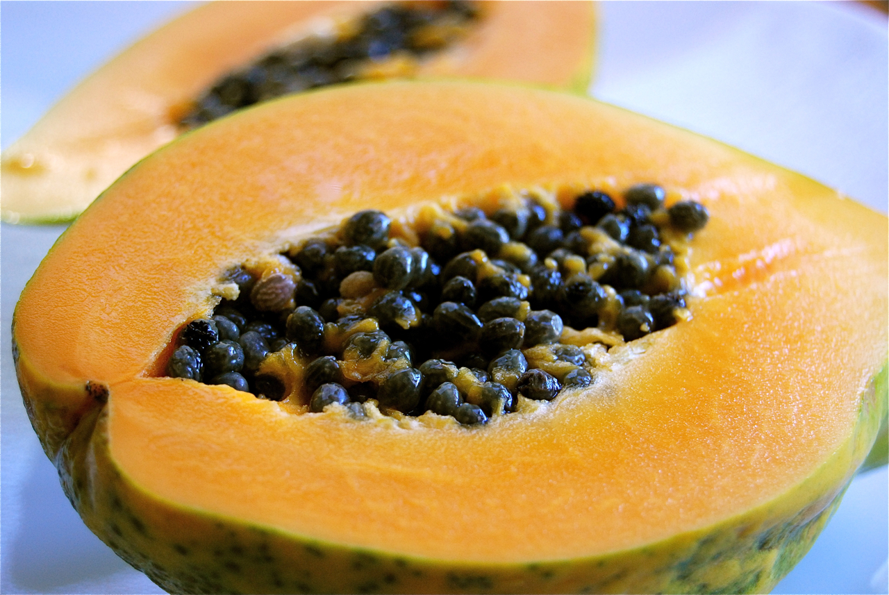 A Hawaiian papaya. Wikimedia Commons photo.