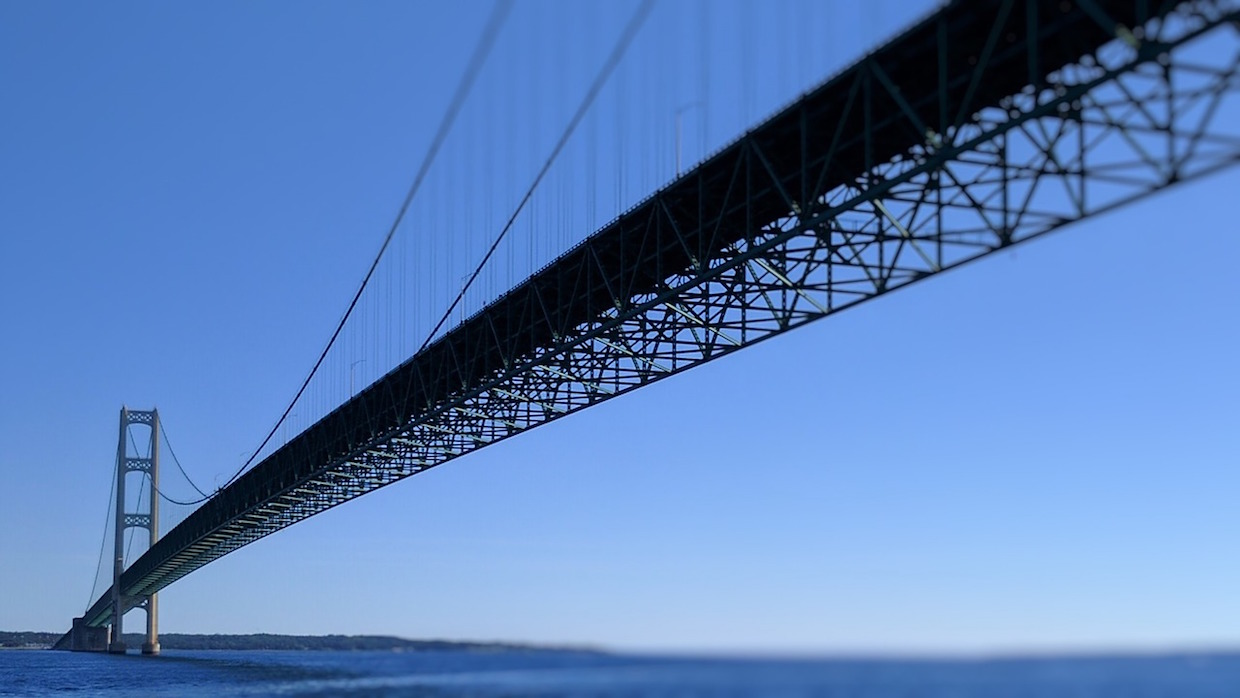 mackinac-bridge-2330450_1280