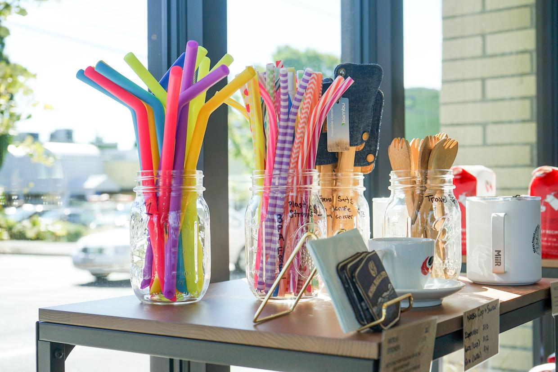 coffee shop straws