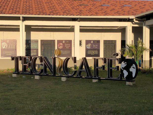TECNiCAFÉ: Tecnología, Innovación y Una Oportunidad  de Oro para la Nueva Generación