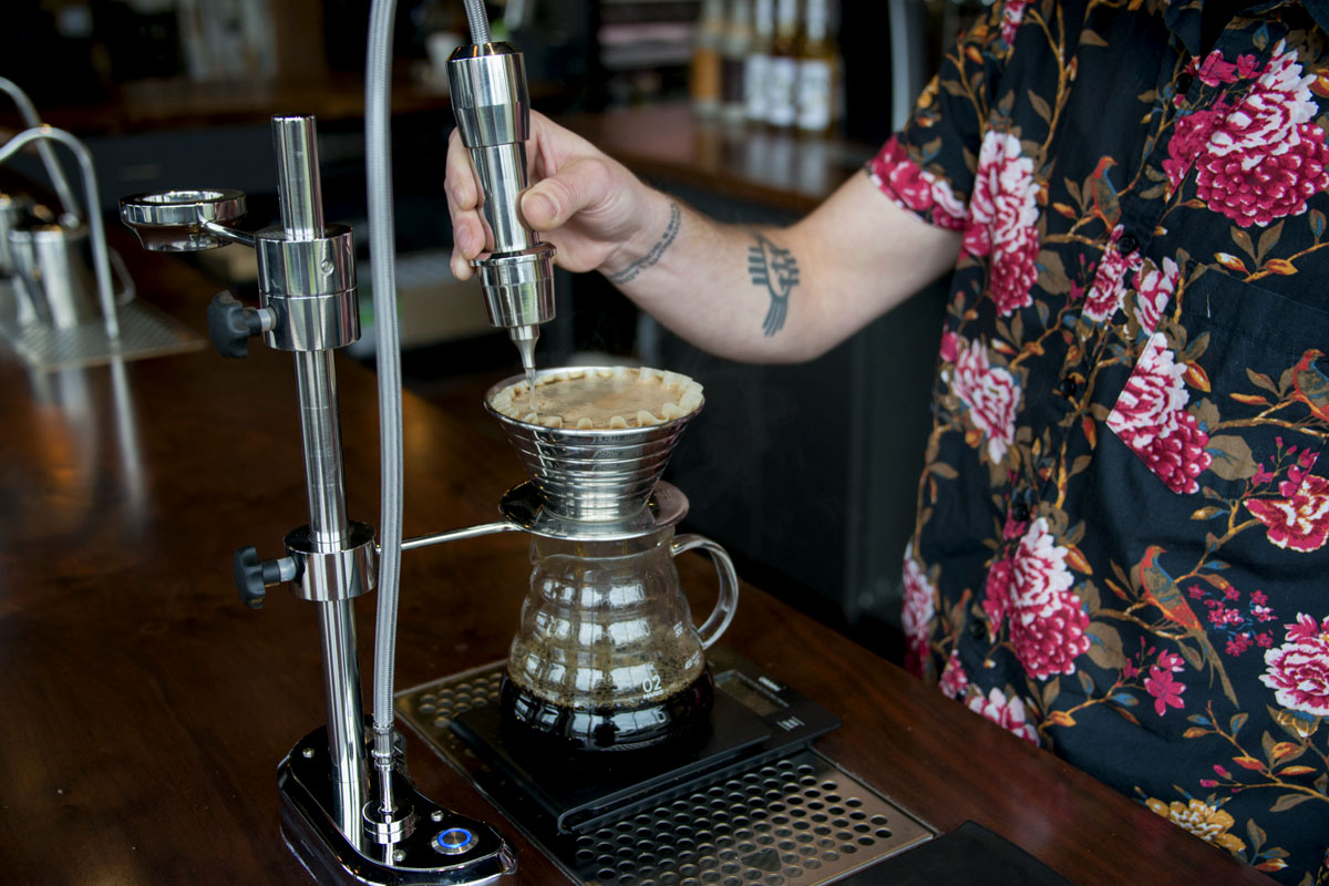Oak_St_Cafe_pourover_closeup