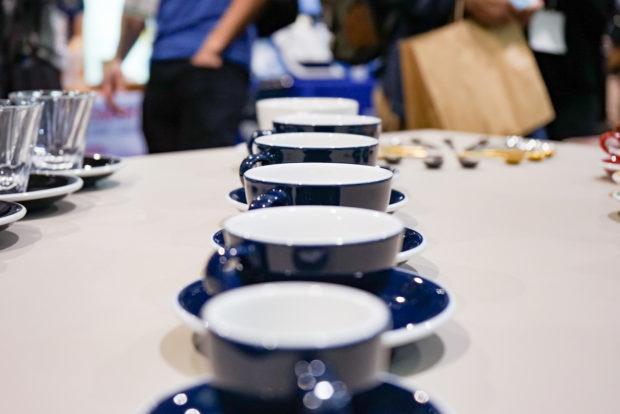 blue_mugs
