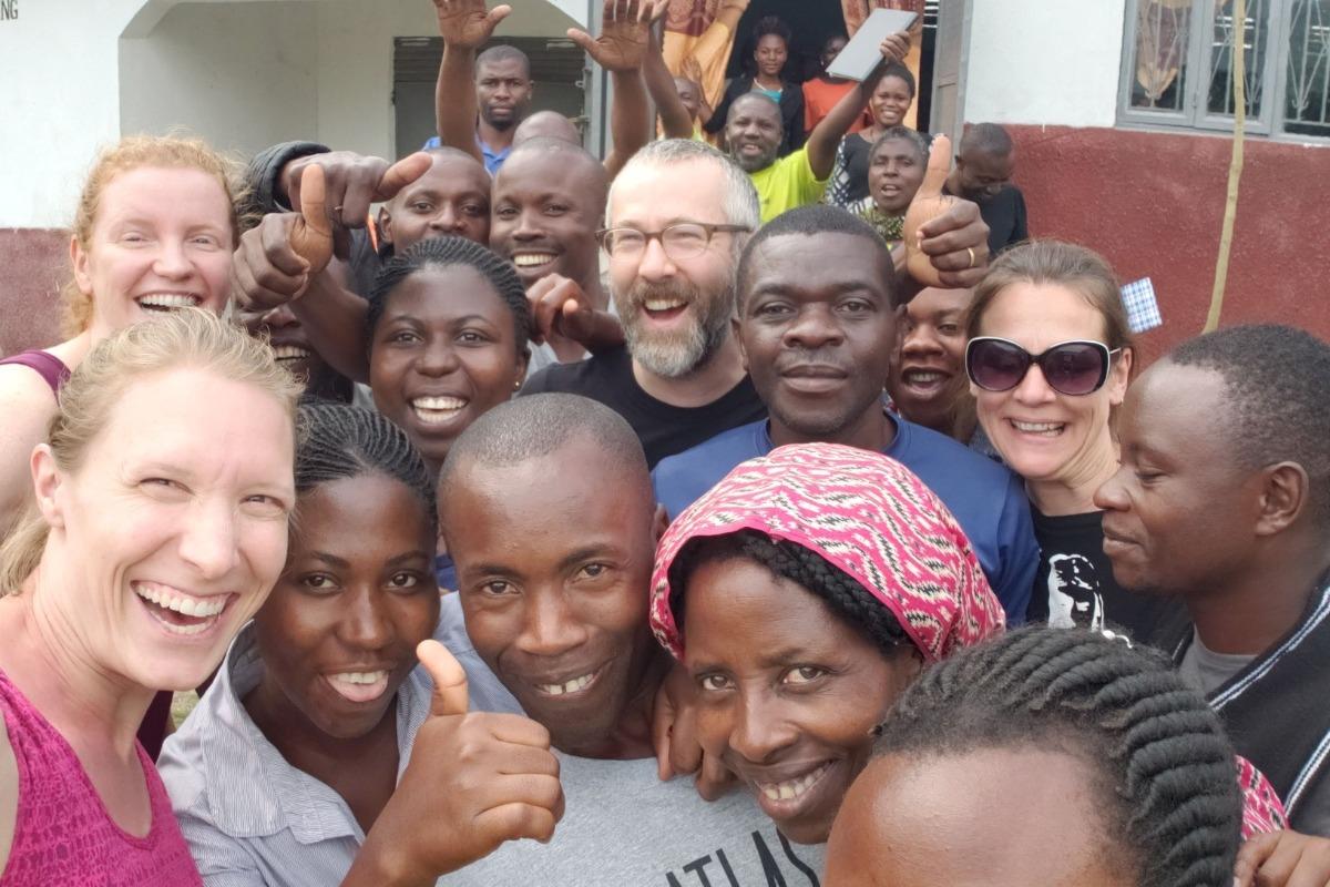 Bukonzo with buyers