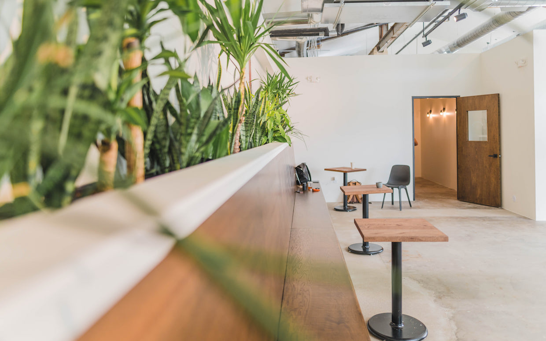 bench cafe seating