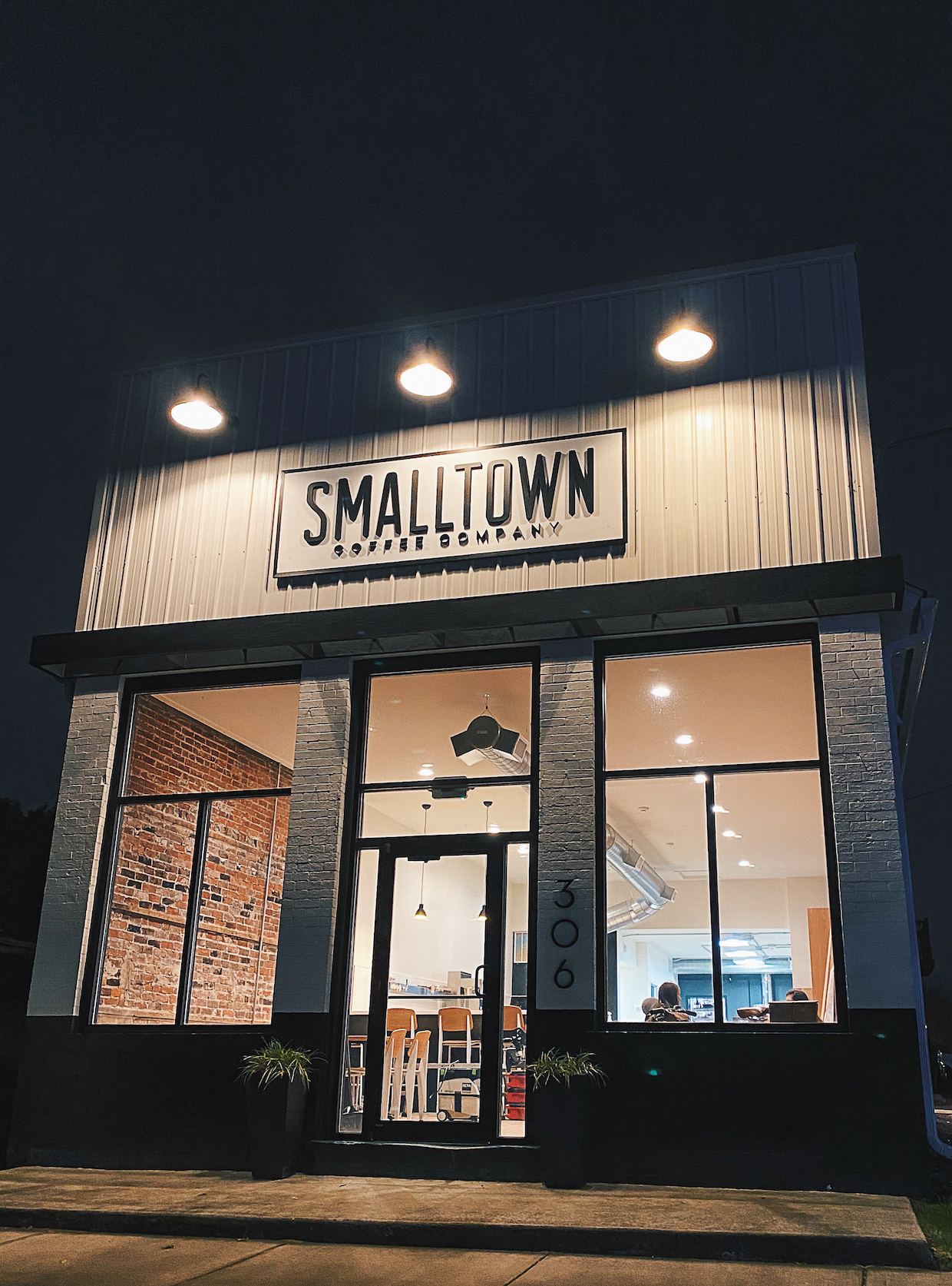 smalltown-exterior-3