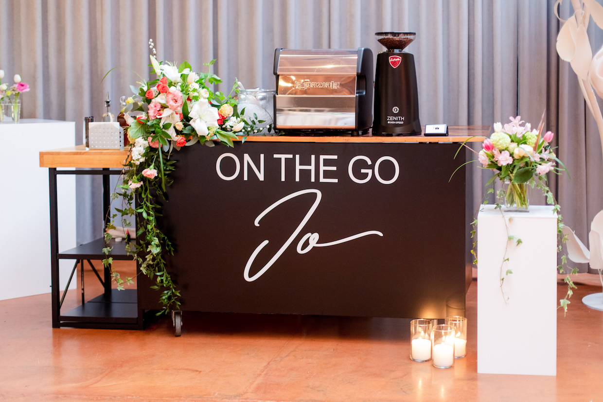 On the Go Jo Cart by Featherlite Studios