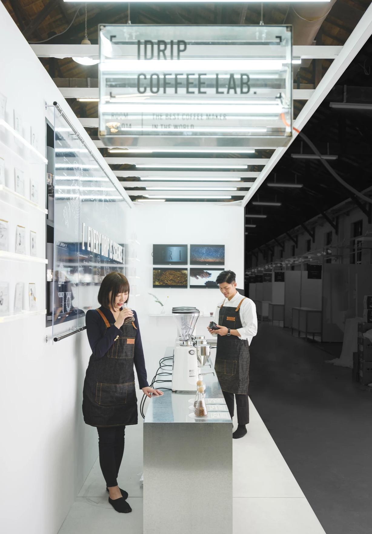 iDrip coffee booth 3+2 2