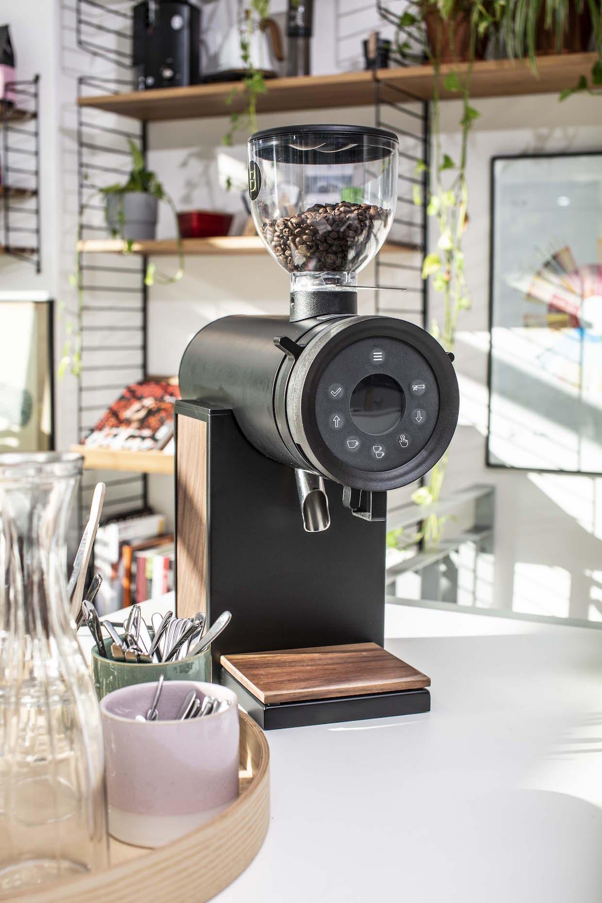 Brentwood Coffee Vertical 63 grinder 2