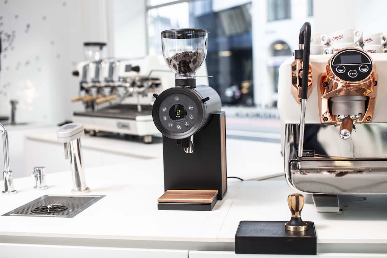 Brentwood Coffee Vertical 63 grinder 4