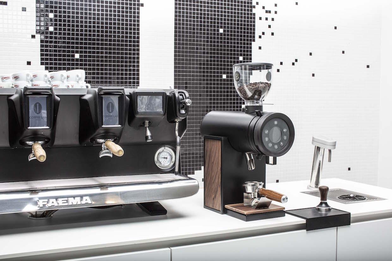 Brentwood Coffee Vertical 63 grinder 5