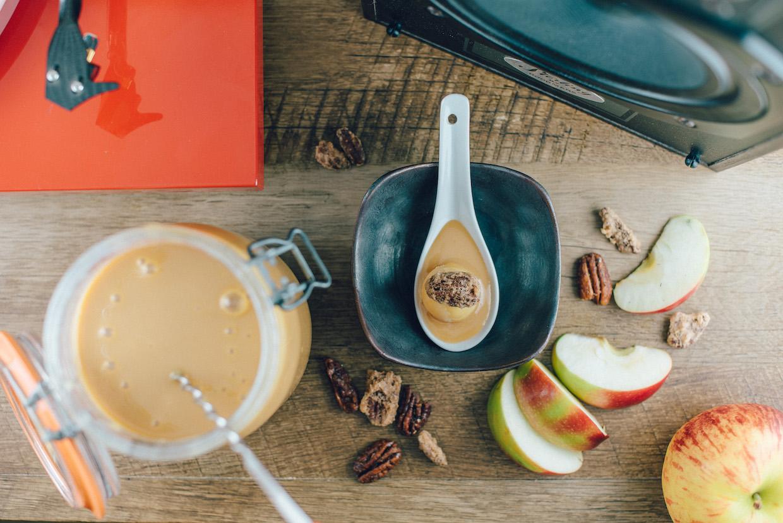 Bomba de manzana con caramelo (1) - Matt Sampson